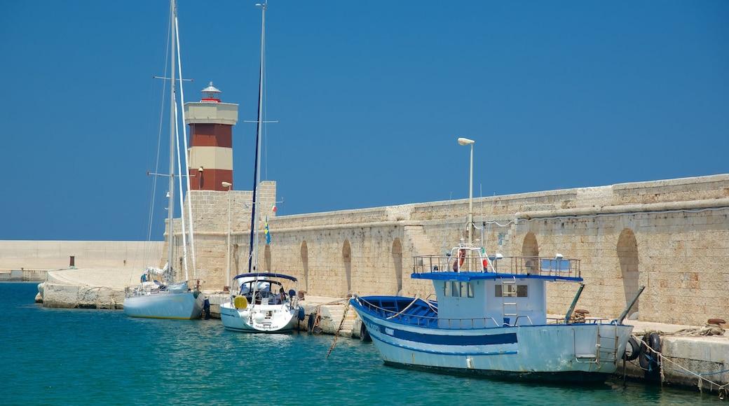 Monopoli which includes general coastal views