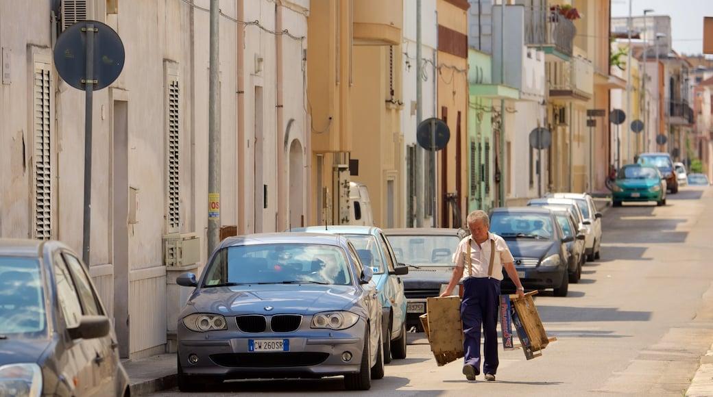 Manduria das einen Straßenszenen sowie einzelner Mann