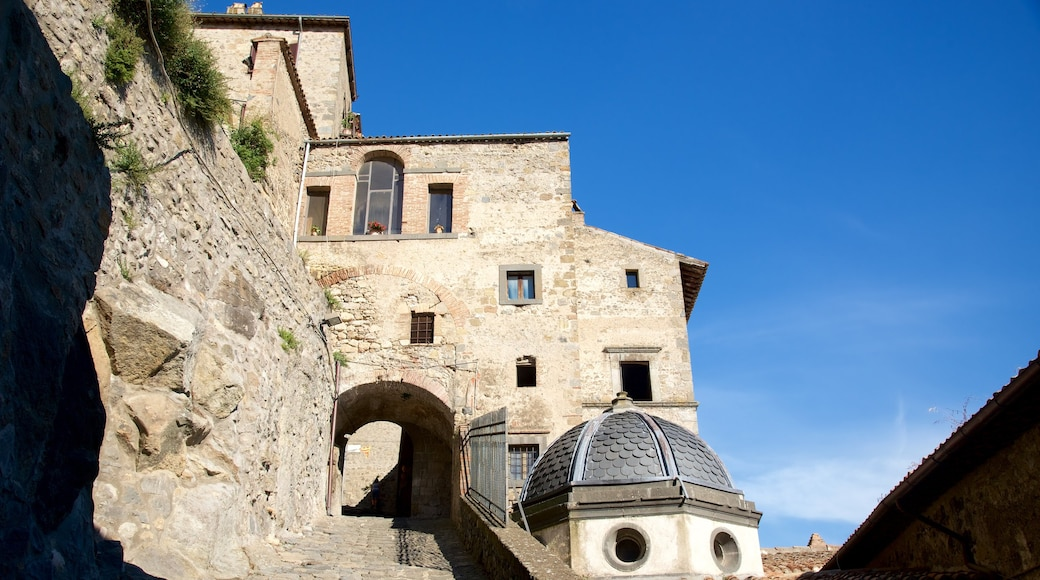 Bolsena inclusief historische architectuur