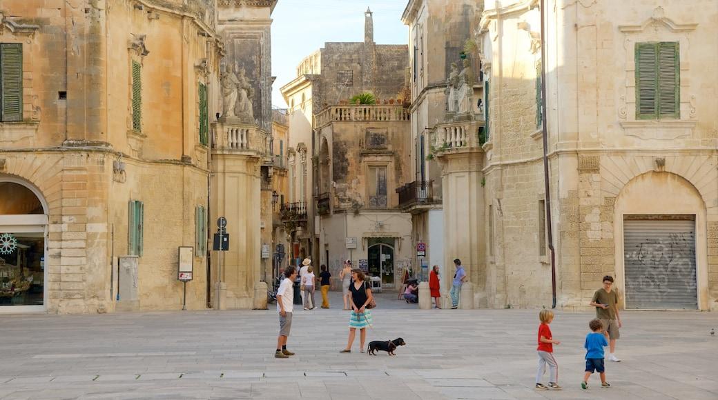 Piazza del Duomo qui includes patrimoine architectural et square ou place