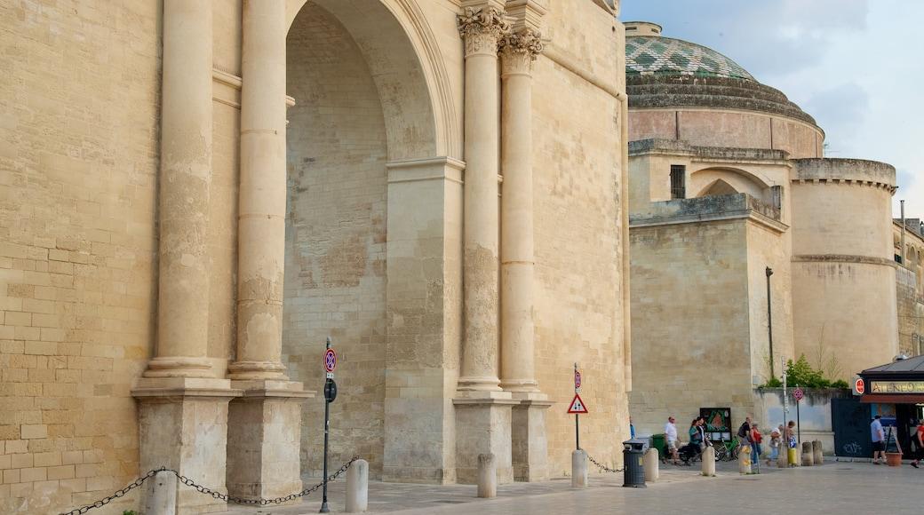 Arco di Trionfo das einen historische Architektur