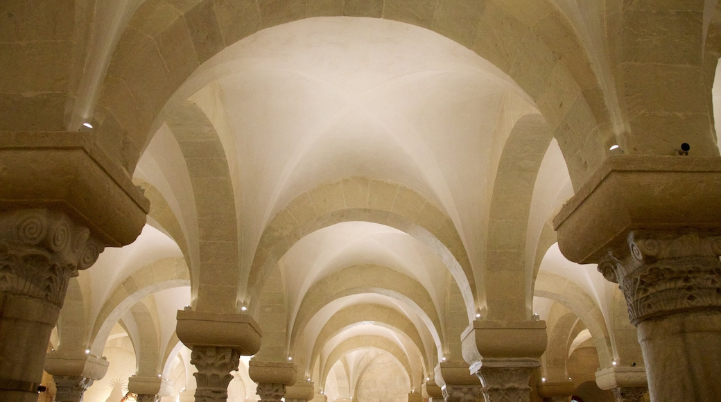 Otranto Cathedral showing religious aspects, interior views and heritage architecture
