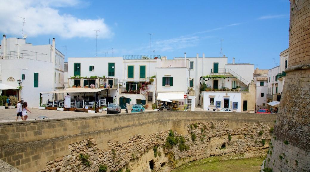 Otranto Castle featuring heritage architecture