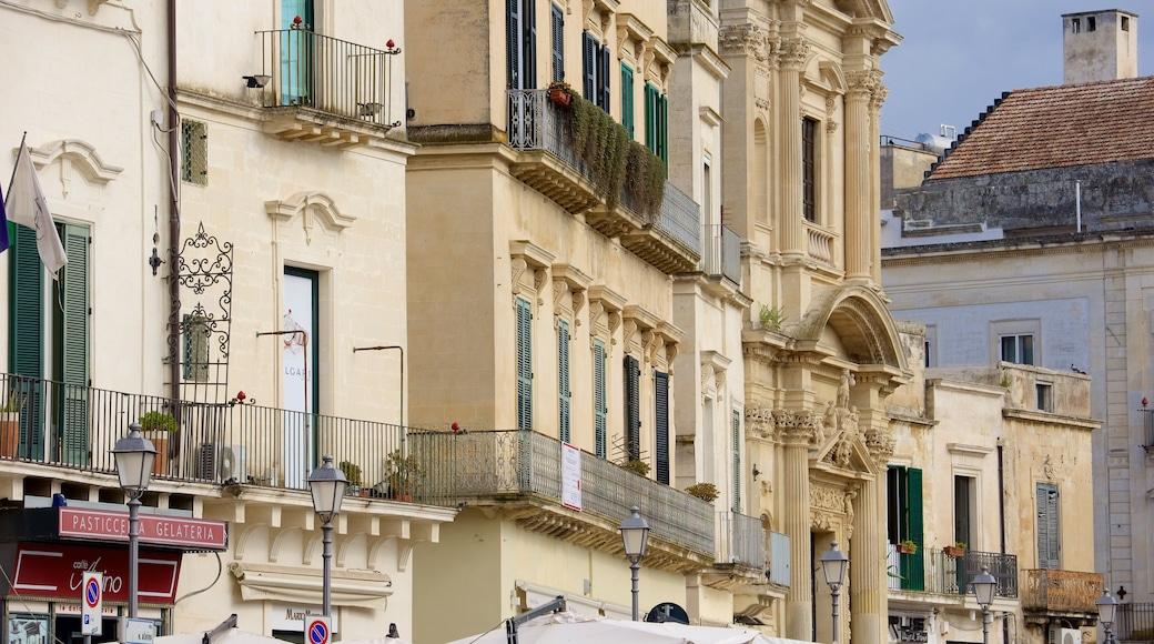 Piazza Sant\'Oronzo das einen historische Architektur