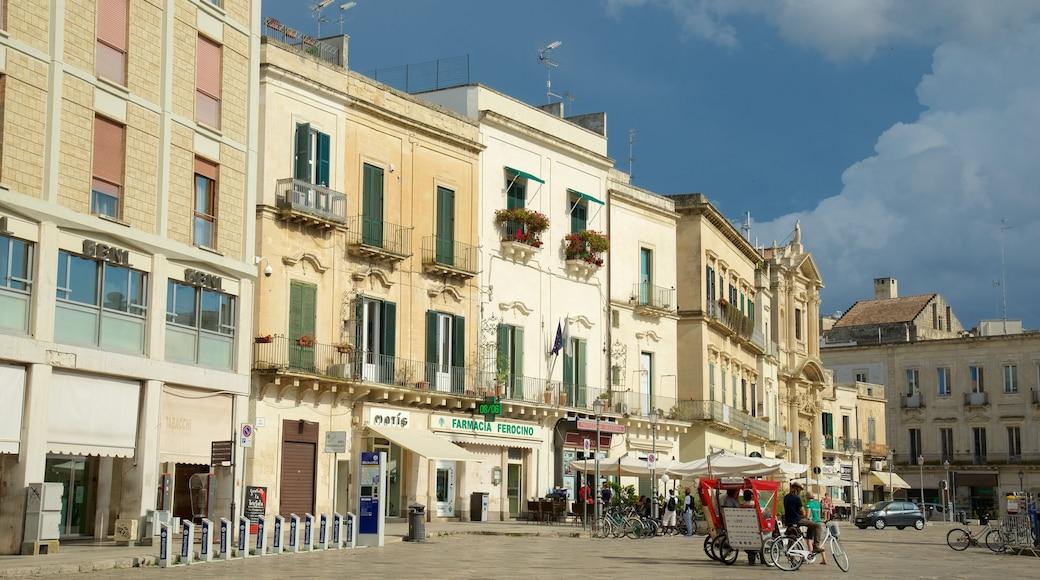 Piazza Sant\'Oronzo mit einem historische Architektur