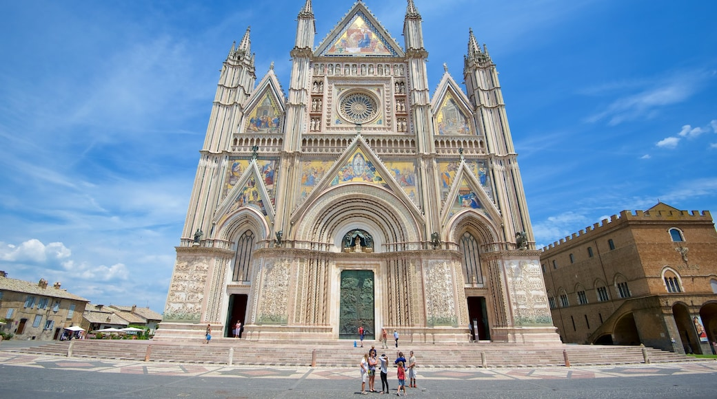 Duomo di Orvieto which includes a church or cathedral, heritage architecture and religious aspects