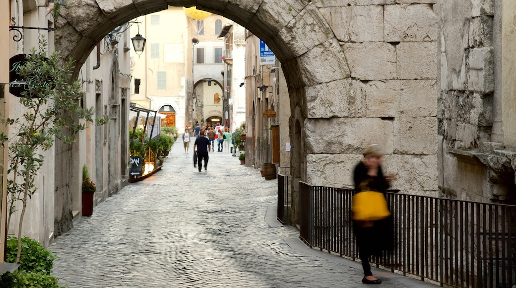 Spoleto which includes street scenes and heritage elements