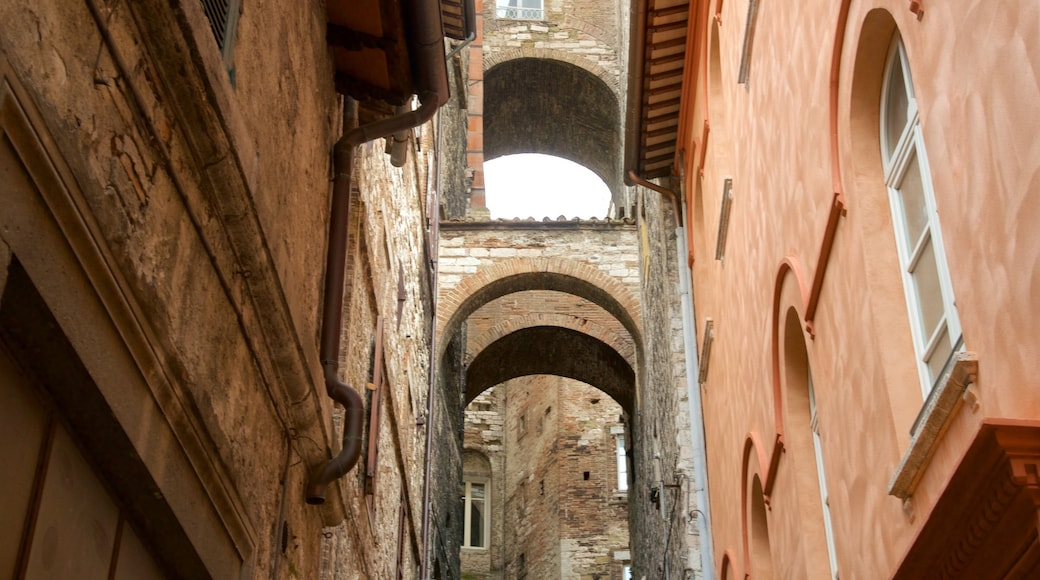 Perugia caratteristiche di architettura d\'epoca