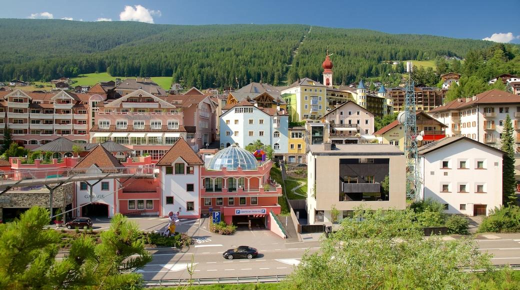 St. Ulrich in Gröden das einen Kleinstadt oder Dorf
