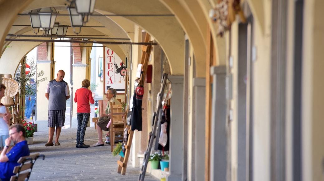 Greve in Chianti che include piccola città o villaggio e mercati