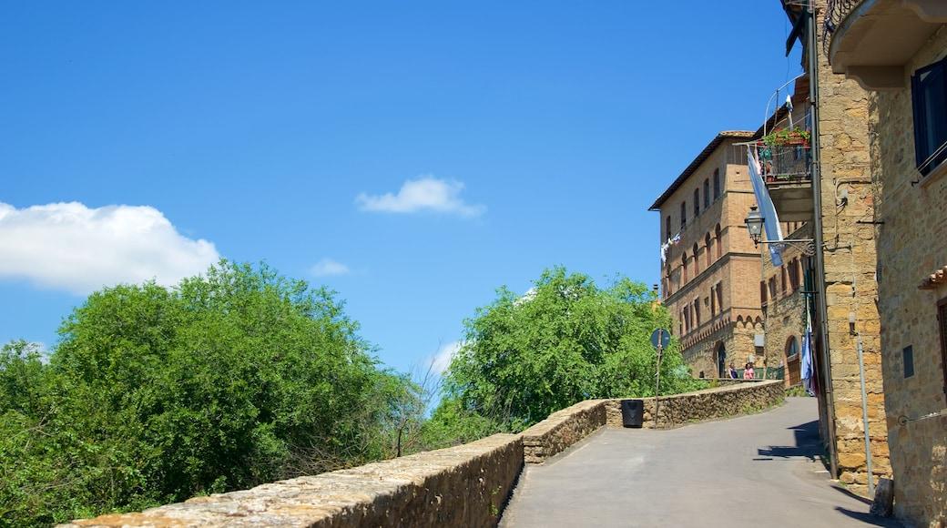 Porta all\'Arco welches beinhaltet Straßenszenen und Geschichtliches