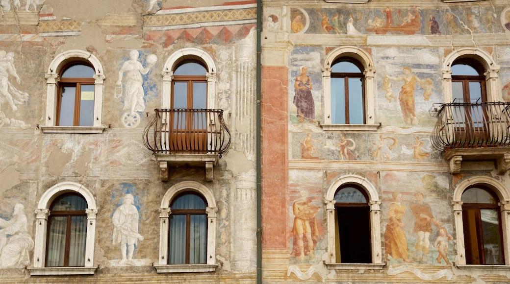 Trient welches beinhaltet historische Architektur
