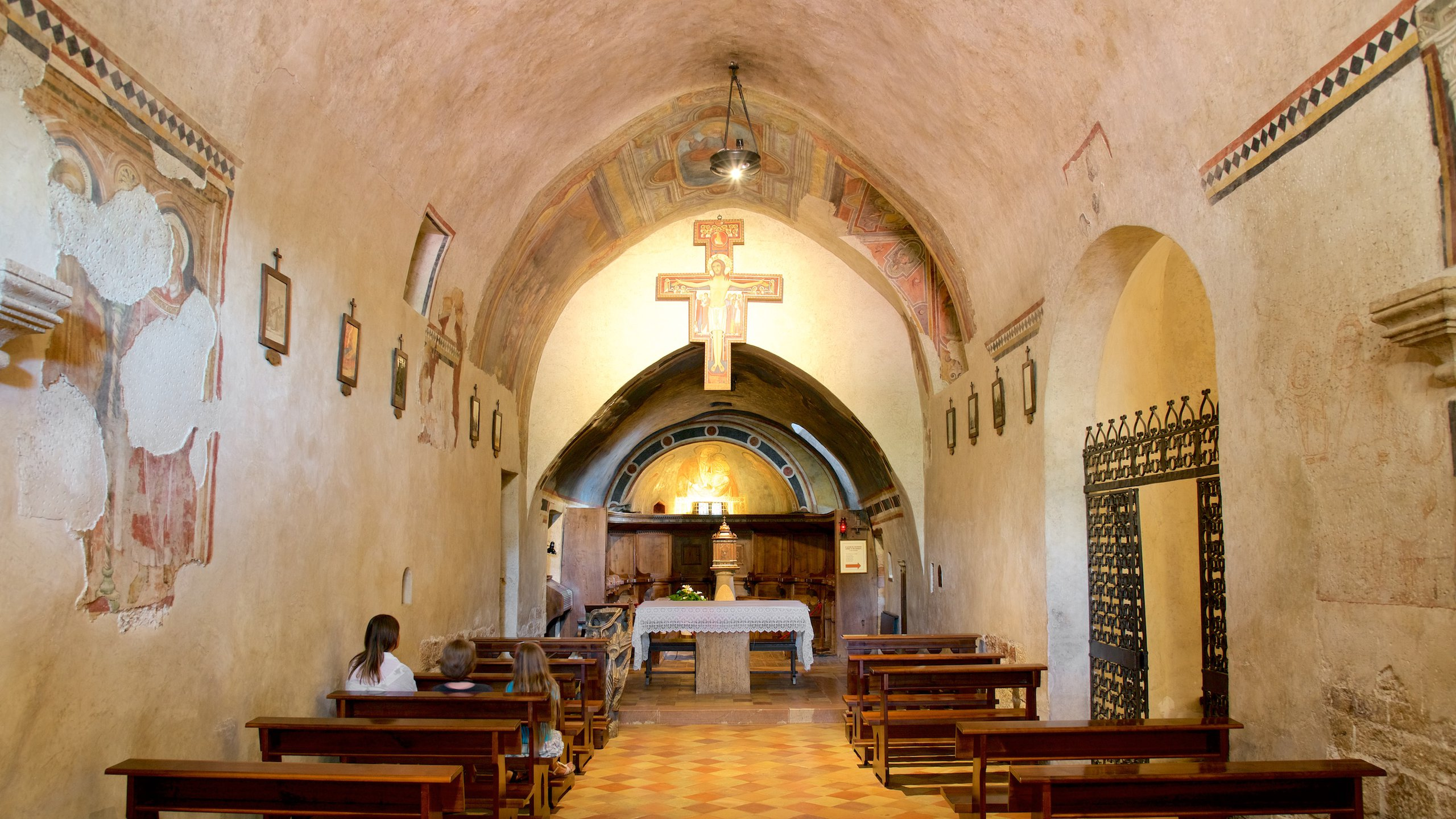 San Damiano showing interior views, religious elements and a church or cathedral