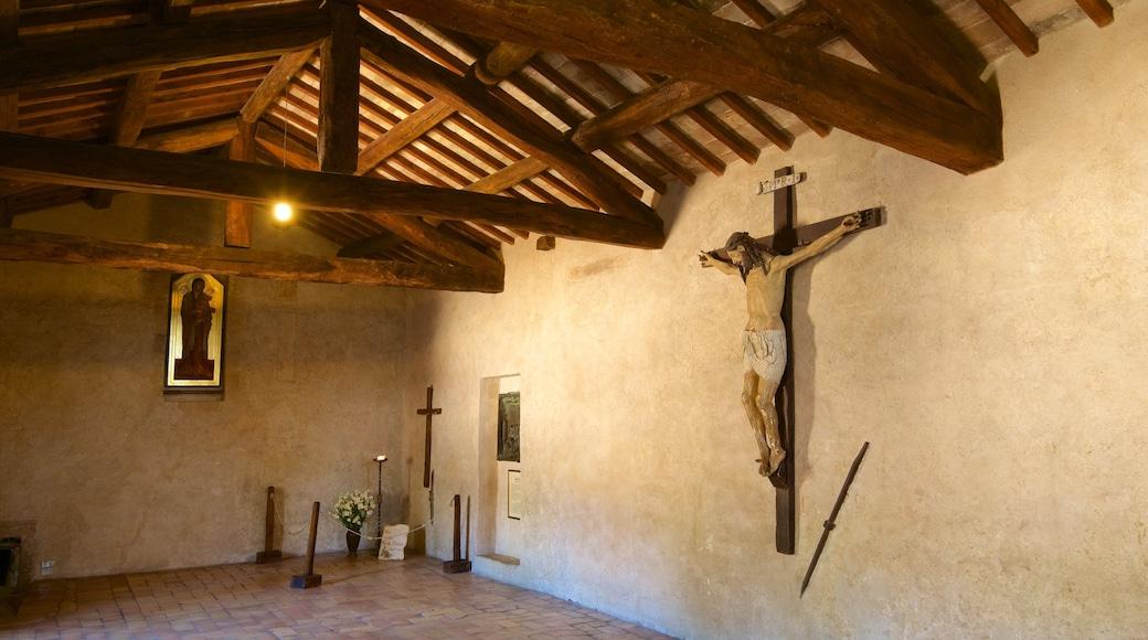 San Damiano qui includes vues intérieures, aspects religieux et église ou cathédrale