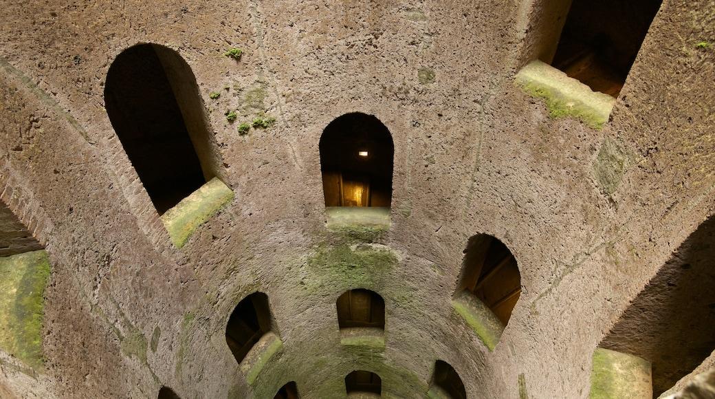 Pozo de San Patricio que incluye patrimonio de arquitectura y elementos del patrimonio