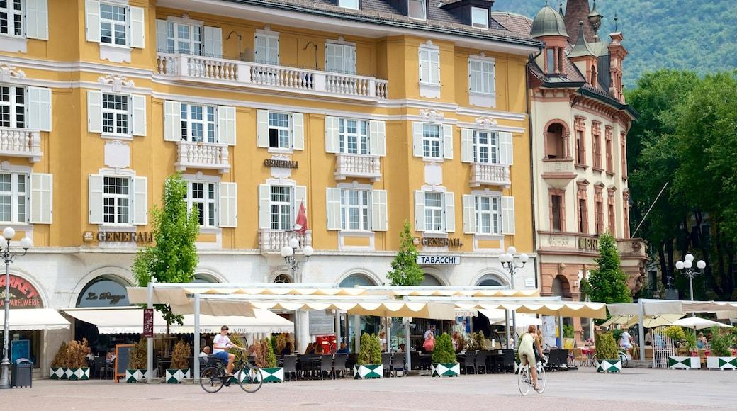 Piazza Walther mostrando bicicletta, hotel e strade
