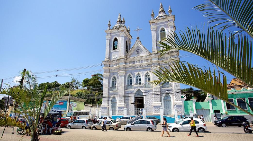 Maceió que inclui uma igreja ou catedral