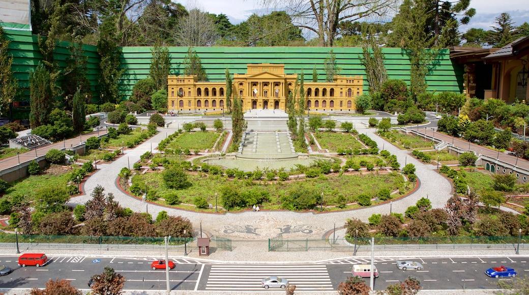 Mini Mundo qui includes parc et patrimoine architectural
