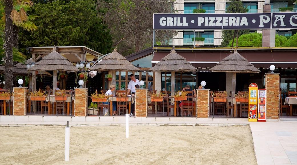 Portoroz Beach das einen Essen im Freien und Küstenort