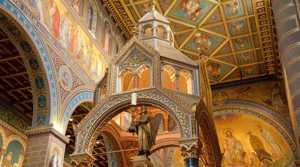 Pecsin katedraali featuring uskonnolliset kohteet, sisäkuvat ja taide
