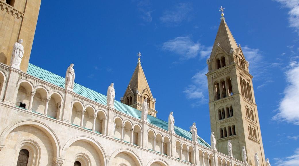 Pecs Cathedral mit einem historische Architektur und Kirche oder Kathedrale