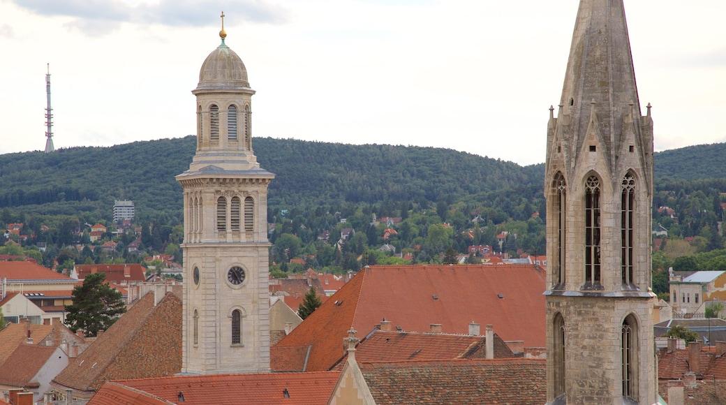 Sopron joka esittää vanha arkkitehtuuri ja kirkko tai katedraali