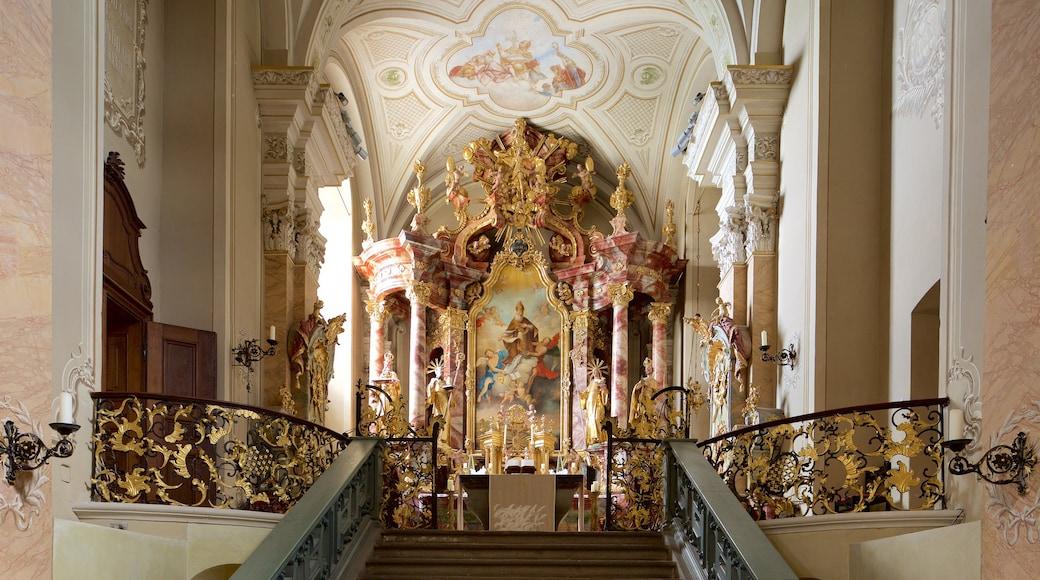 Tihany Abbey inclusief een kerk of kathedraal, interieur en religieuze aspecten