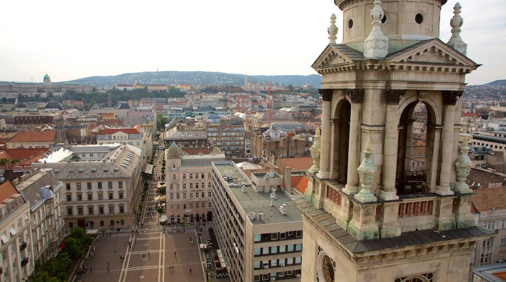 St. Stephen\'s Basilica which includes heritage architecture, a church or cathedral and a city