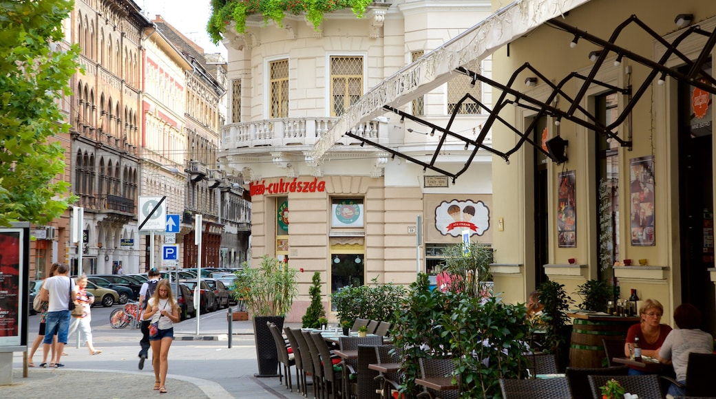 Ferenc Liszt Square showing a city, street scenes and café lifestyle