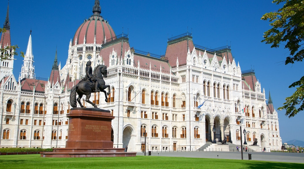 Parliament Building which includes heritage architecture, an administrative building and a statue or sculpture