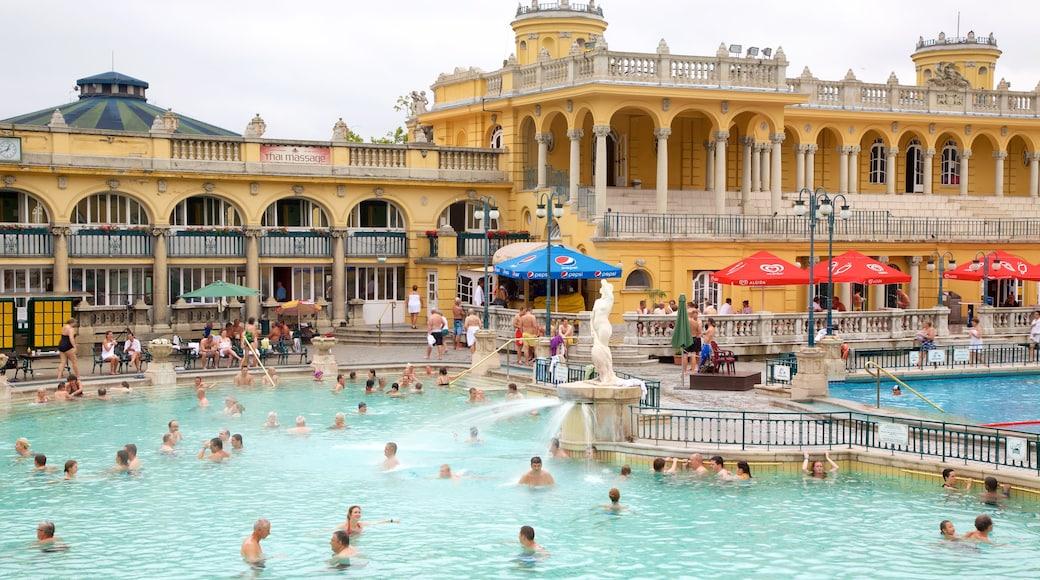 Széchenyi-Heilbad das einen historische Architektur, Wellness und Spa und Pool