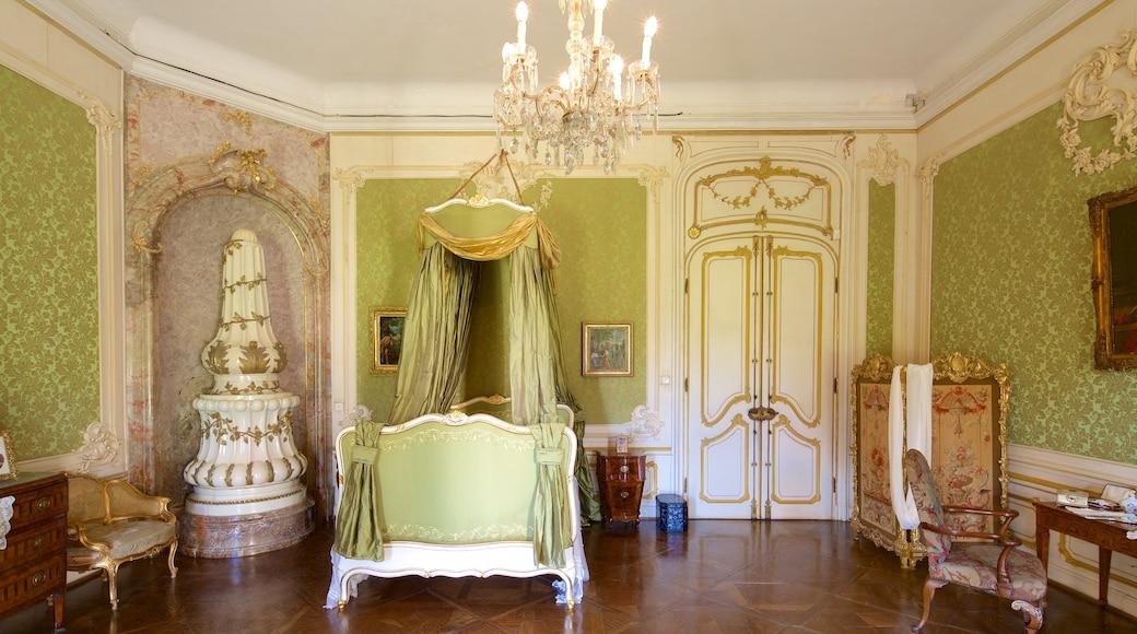 Palácio dos Esterhazy mostrando um castelo e vistas internas