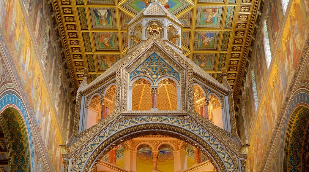 Pecs Cathedral mit einem Kunst, Innenansichten und historische Architektur
