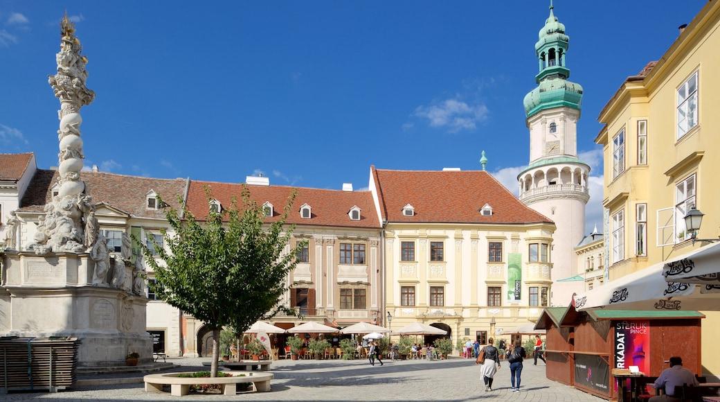 Torre de Vigia do Castelo de Buda caracterizando arquitetura de patrimônio, um monumento e uma praça ou plaza
