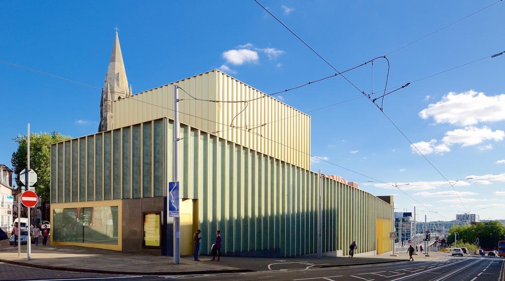Nottingham Contemporary showing street scenes