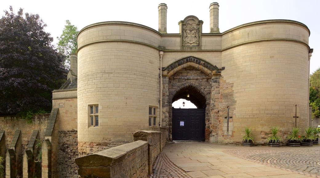 Nottingham Castle showing a castle and heritage elements