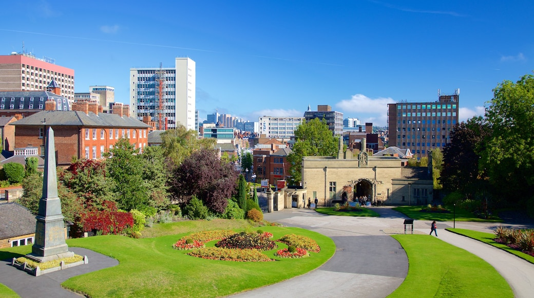 Nottingham Castle showing a park, a monument and skyline
