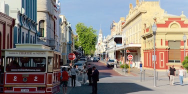 Fremantle showing signage, street scenes and a small town or village
