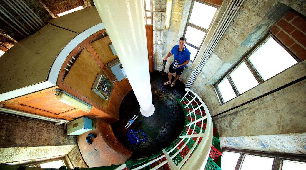 Cape Leeuwin 燈塔 设有 內部景觀 以及 一名男性