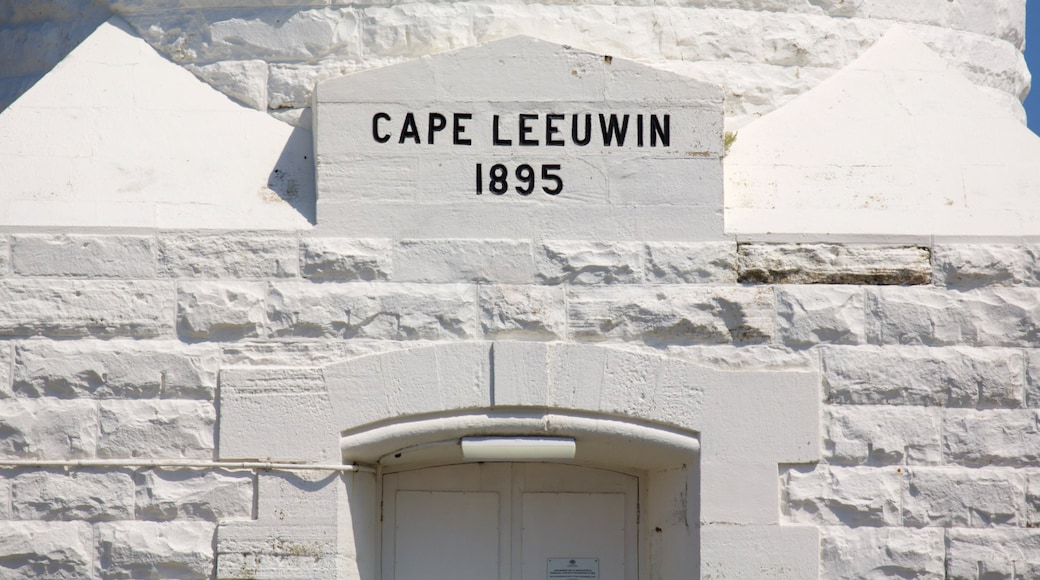Cape Leeuwin 燈塔 呈现出 指示牌