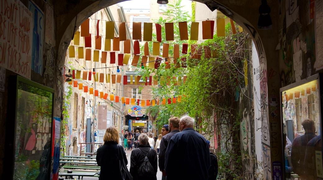 Friedrichstraße montrant scènes de rue