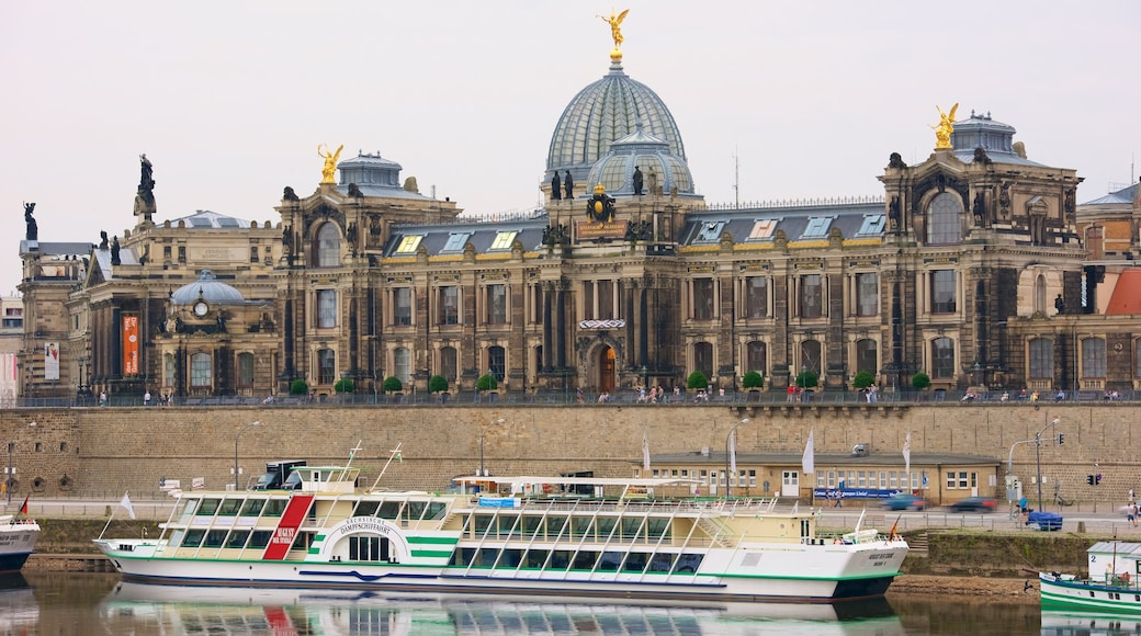 Dresden showing cruising, a castle and a river or creek