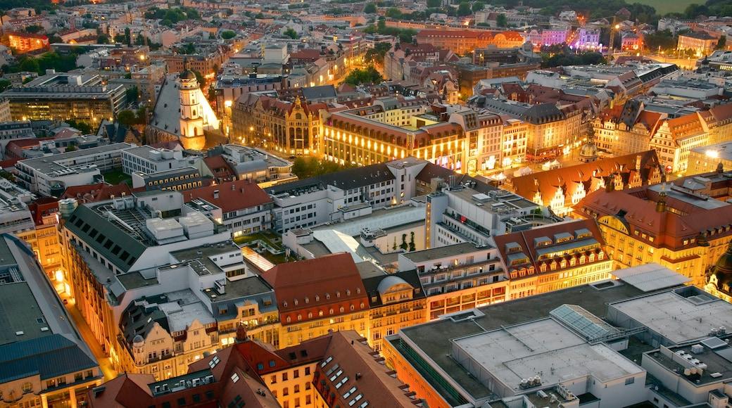 Leipzig som viser en by og natteliv