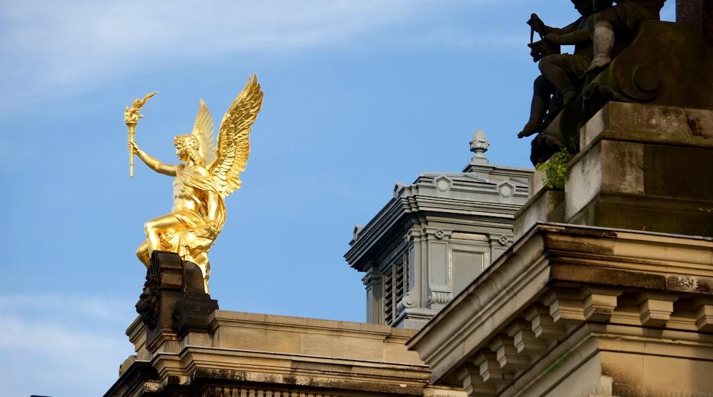 Dresden featuring a statue or sculpture
