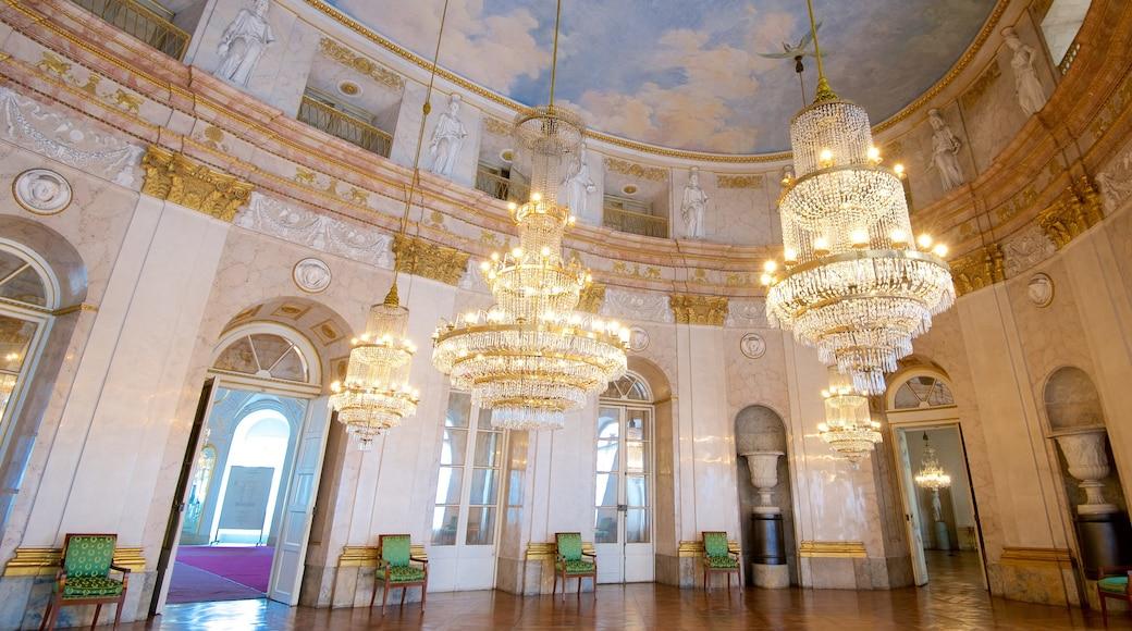 Residenzschloss Ludwigsburg mit einem Innenansichten