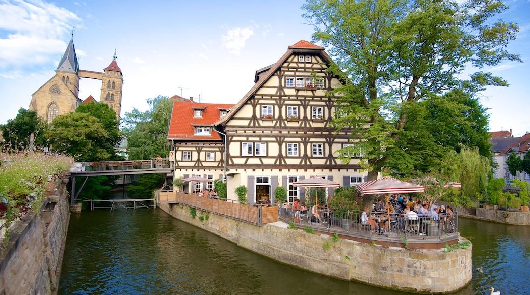 에슬링겐 을 보여주는 강 또는 시내 과 야외 식사