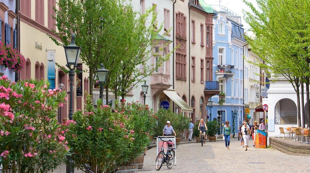 Freiburg mit einem Straßenszenen