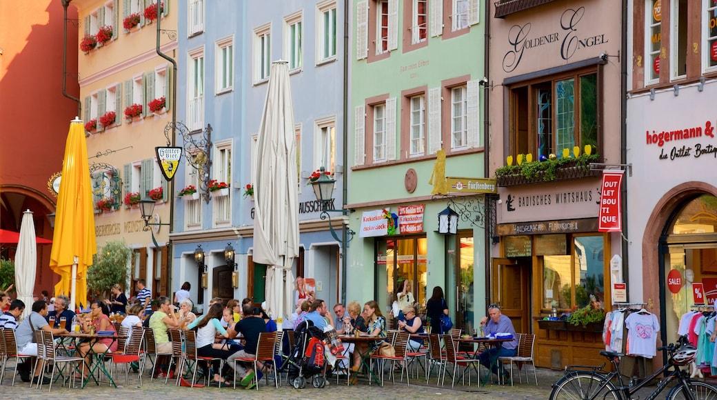 Münsterplatz das einen Essen im Freien und Straßenszenen