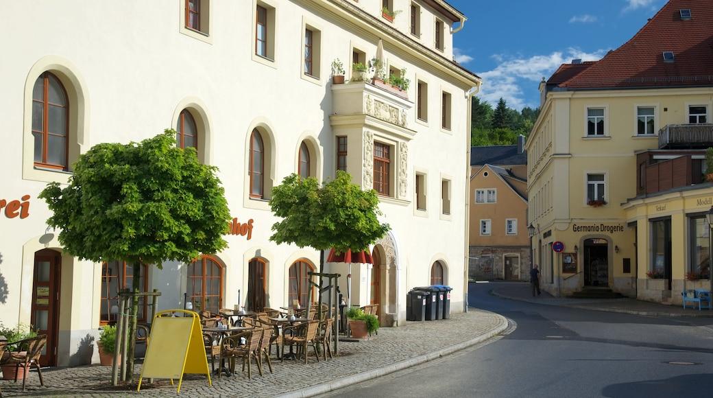 Königstein welches beinhaltet Straßenszenen und Essen im Freien