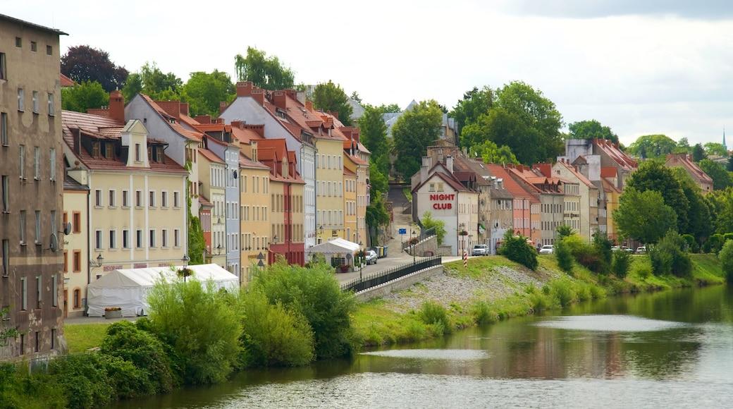 Görlitz og byder på en flod eller et vandløb